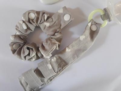 Duo Bracelet porte sucette gris coeurs blancs
