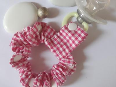 Bracelet porte sucette vichy rose