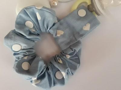 Blue lollipop holder bracelet with white hearts
