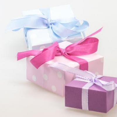 Gift made surprise loop 40562