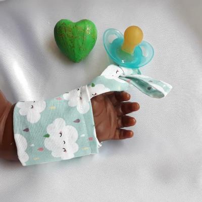 Bracelet lacet nuages fond vert pastel